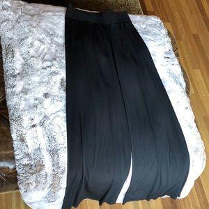 Onzie (S/M) Black Relax Flowy Wide Leg Pants.